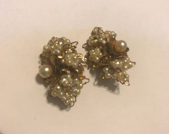mid century- gorgeous pearl clip ons-