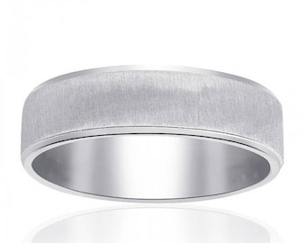 ON SALE 14K White Gold Comfort Fit Band