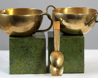 Vintage Brass Metal Colonial Primitive Style Sugar And Creamer With Tongs