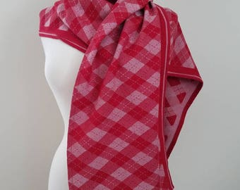 Wrap Scrap Scarf - Scarf - Shawl - Natibaby - Argyle - Wrap Scrap - Babywearing - Oversize Scarf - Red