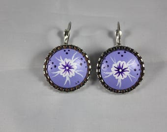 "Earrings ""Laurette"" flower purple on a 20mm purple background"
