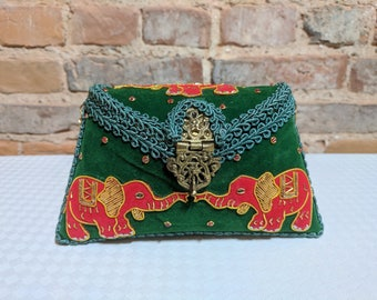 Harahati - The Velvet Clutch
