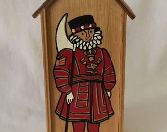 Vintage Old English Beefeater Royal Guard Wooden Coin Bank