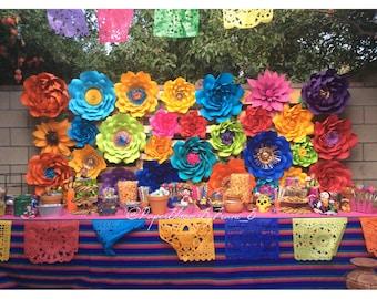 Set 0f 30 Paper flowers - Fiesta Backdrop