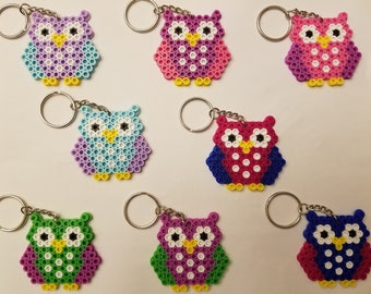 Owl party favor set - Set of 8 keychains or zipper pulls