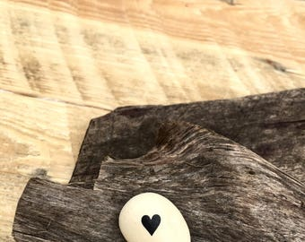 Personalised gift- gorgeous little heart pebble for that special someone- wedding favour- bridesmaid gift. A unique gift.