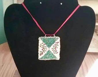 Vintage Quilt Necklace - Vines
