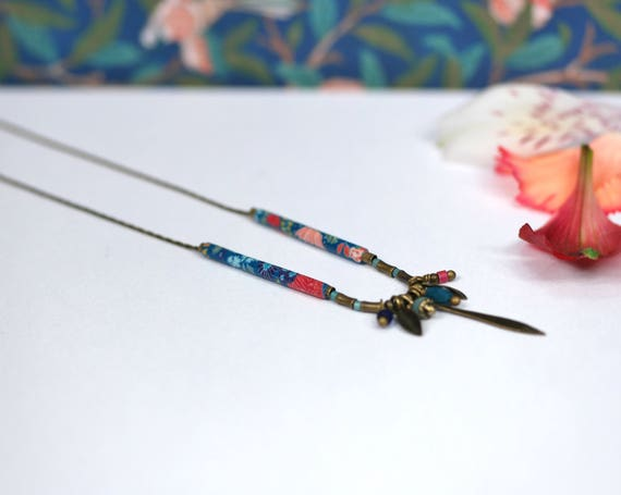 Boheme necklace with handmade blue japanese patterns 'Dionee'