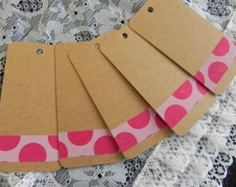 5 labels with pink polka dots in cardstock measuring 8 x 4 cm