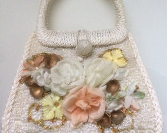 Vintage White Flower & Seashell Embellished Handbag Purse - Retro Style Accessory