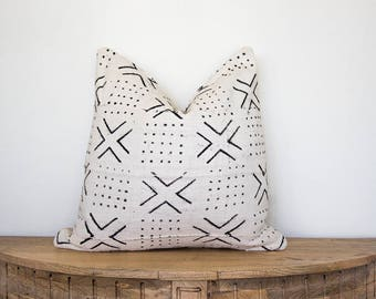 "Mudcloth Pillow Cover ""Ilani"" 18x18"