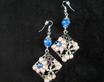 """""""flowers"""" earrings with salmon and blue pearls"""