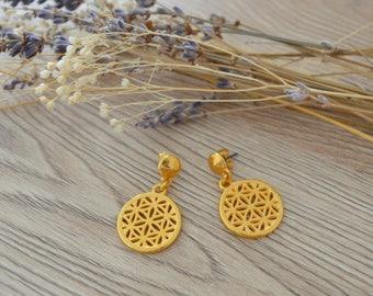 Gold dangle STAR earrings, Gold drop flower earrings, gold dangling filigree drop earrings, Gold elegant stud earrings, Yoga style jewelry