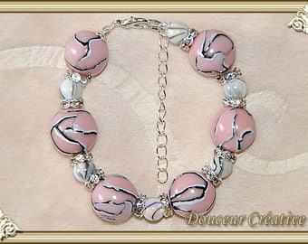 Bracelet pink pale white beads black 101019