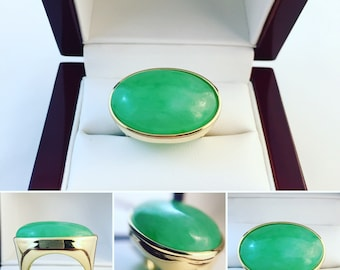 New- 18k Yellow Gold Jadeite Oval Ring Size 6