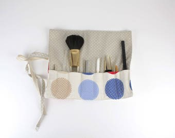 Bag case for make-up brushes in natural linen and polka dot fabric