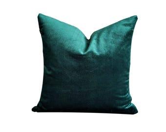 Green Velvet Decorative Cushion Cover with Beige Backing, Emerald Green Cushion, Decorative Pillow, Velvet Cushion