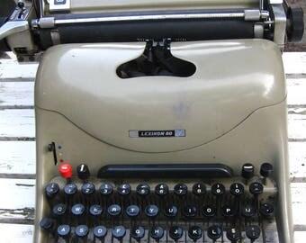 Vintage typewriter Olivetti Lexikon 80