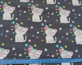 Smiley kittens with flowers in grey cotton jersey, one unit is 0.5 metre