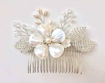 Wedding Pearl Crystal Hair Comb, Pearl Flower Hair Comb, Pearl Floral Comb, Bridal Hair Comb, Wedding Hair Accessory