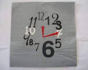 set of 2 napkins clock