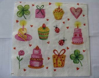 set of 2 napkins birthday cakes