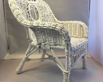 Vintage Wicker White 12 inch Doll's Chair