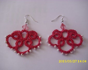 1 pair of tatted earrings pink