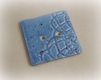"Square button in ceramic fact-hand : ""lace"", blue, 4 cm"
