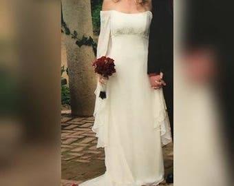 Jim Hjelm Visions style 4204 Ivory Chiffon & Satin Wedding Gown Bohemian Boho Bell Sleeves Dress