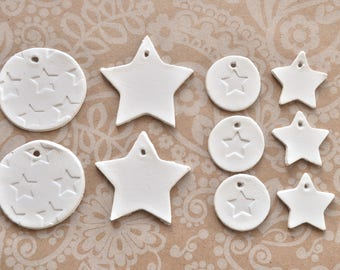 Set of 10 star gift tags, star clay tags, star-shaped tags, star pattern tags, white clay tags, tiny gift tags, star themed gift tags