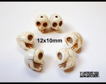 * ¤ 6 white magnesite skull beads - 12x10mm ¤ * #P65