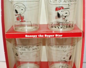 Hallmark Peanuts Plastic Party Glasses Set of 4 Original Box 1970's