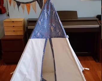 Tepee Kid's Tent Wigwam Tipi Handmade Natural Cotton with Padded Mat, Bunting, Two Cushions and a Headband Folding poles and a bag included