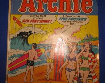 Archie comics with Jughead, Veronica, and friends - lot of 5