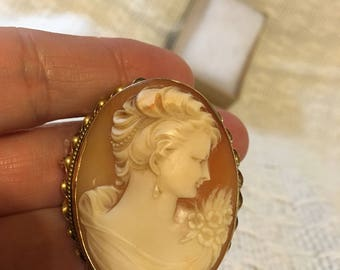 Antique Shell Cameo Pendant/Brooch