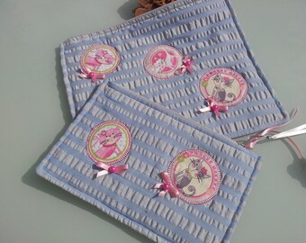472 fabric set of 2 large pouches embossed blue/grey with pink cats application and lined with grey zip