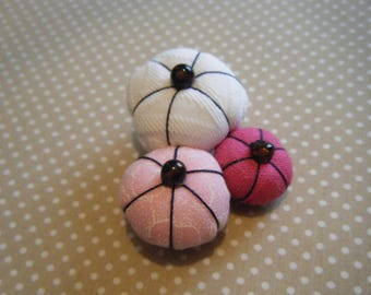 Pink and white Japanese flower brooch