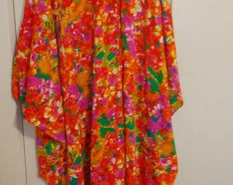 Free Shipping!!!  Vintage Mid Century Barkcloth Flower Power MuMu Pullover House Dress Coverup Caftan One Size Fits All