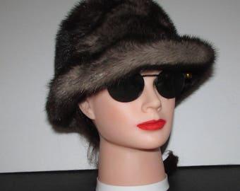 """Superbe chapeau  de véritable fourrure de vison iris/Superbe iris real mink fur hat  21""""1/2"""