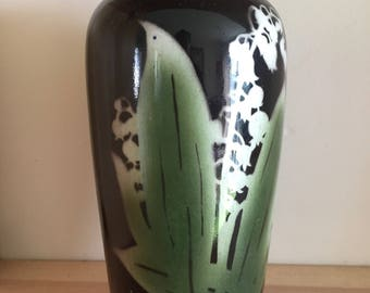 Stunning Unusual Vintage Vase Black with Lily of the Valley in white and green Made in England