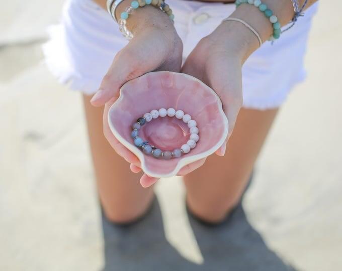 Clam shell mini dish