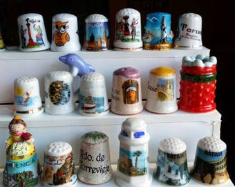 Thimbles from Spanish cities in porcelain, metal, resin