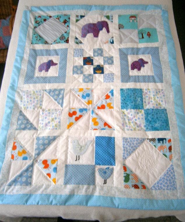 couverture b b plaid patchwork bleu blanc enti rement fait. Black Bedroom Furniture Sets. Home Design Ideas