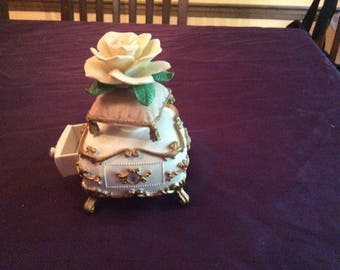 Vintage, Music Box, Rose on Pillows Turns While Playing 'Endless Love'