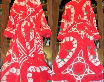 Red RAPTURE Luscious Hearts Chenille Robe ~ Love Blossoms Handmade Bathrobe from Premium Vintage Chenille Bedspreads