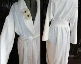 The Cuddliest, Snuggliest Chenille Robe  ~ Sumptuously Soft Lovely Warm Vintage Bathrobe with a Flattering Fit