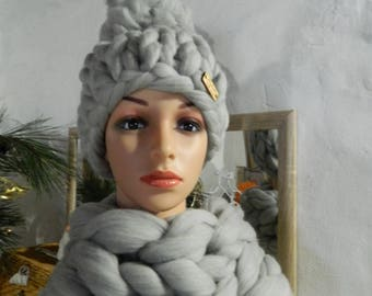 Knit Oversize Grey Scarf Hat Set. Chunky Wool Hat. Tick Merino Snood. Bulky Yarn Hat. Gift for Women. Gft for Her. Valentine's Day Gift.