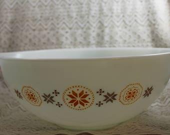 Pyrex 444, Town and Country Mixing Bowl, Large Mixing Bowl, Cinderella Handles Mixing Bowl
