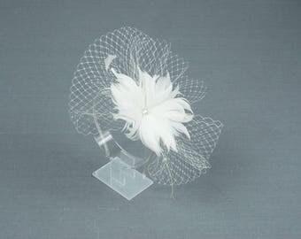 White Feather Bridal Fascinator Bride Hair Comb Luxury Boho Headpiece Morceau de cheveux en plume Peigne de mariées